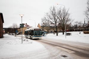 Under 2018 gör Fagersta kommun bussresorna avgiftsfria på prov. Kommunstyrelsens ordförande Marino Wallsten hoppas att det ska betyda att färre Fagerstabor väljer att ta bilen.