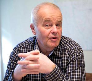 Att motionera om ett nytt badhus i Grängesberg är inte valfläsk hävdar Centerns partibas Jan Karlsson.