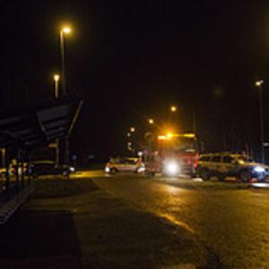 På tisdagen blev en pojke påkörd av en lastbil när han skulle ta sig över vägen från busshållplatsen i Höjersdal.