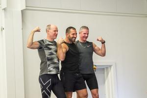 Mikael Jonsson och Ove Eriksson, Delsbo poserade tillsammans med träningsgurun Peter Bláha.