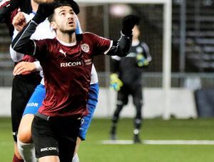 Efter tre cupmatcher på bänken fick Simon Amin göra sina åtta första minuter tävlingsfotboll som ÖSK-spelare i kvartsfinalförlusten borta mot AIK.