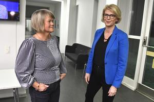 De ekonomisk-politiska talespersonerna Ulla Andersson (V) och Elisabeth Svantesson (M) är överens. Foto Claudio Bresciani / TT