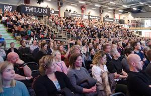 Runt tusen personer befann sig i Jalas Arena i Falun under torsdagens för att lyssna på Ola Rosling.