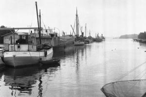 Kajen i Norrtälje hamn år 1950.Arkivfoto