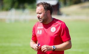 Andreas Bruhn, tränare i Köping FF.