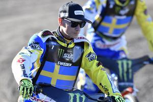Sveriges kapten Fredrik Lindgren är givetvis uttagen till Polen.