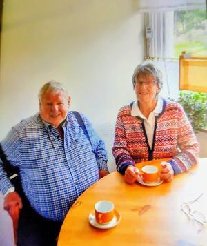 Bengt och Kerstin minns bussresan 1 juli 1960 där det sa