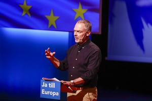 Liberalerna i Europa stärks, men i Sverige har Jan Björklunds parti det inte lätt.