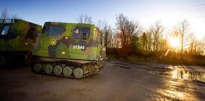 Kontakt har tagits med försvarsmakten så att man kan få hjälp med bandvagnsförare till de tre bandvagnar som räddningstjänsten förfogar över.    Bild: Stig-Göran Nilsson
