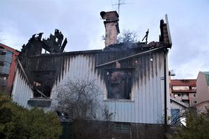I januari i fjol eldhärjades en villa på Övre Villagatan.