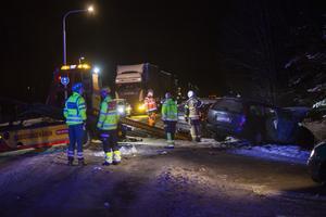 Räddningstjänst och ambulans larmades ut till olycksplatsen.
