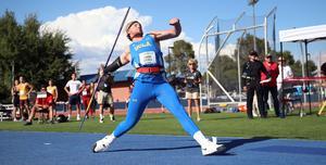 Simon Litzell vräker iväg spjutet vid en tävling i USA. Foto. Seth Dahle