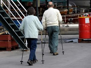 Hur få fler äldre i rörelse?Foto: TT