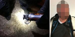Revolvern var laddad med sju skarpa kulpatroner. På sig bar mannen en skyddsväst. Bilderna kommer från polisens förundersökning.