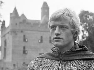 Den nyligen bortgångne skådespelaren Rutger Hauer fick sitt stora genombrott i Paul Verhoevens äventyrsserie