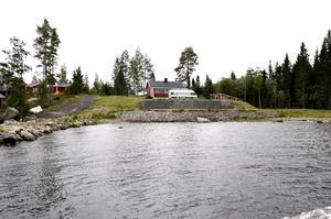 Travkusken Robert Berghs har köpt ett sommarhus i Björn, nära Skatan i Njurunda.