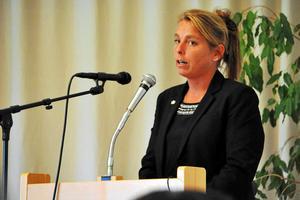 Jenny Nordahl (SD) och nio andra personer i Moderaterna, Liberalerna och Kristdemokraterna var emot den nu klubbade budgeten.