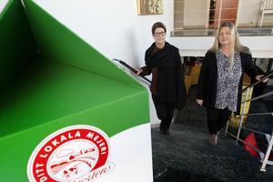 Margareta Pettersson och Elisabeth Jäderberg har svårt att förstå att Arla tänker behålla varumärket Gefleortens när produkterna kommer att tillverkas i Stockholm och innehålla mjölk även från bönder i andra delar av Sverige.