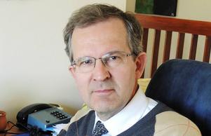 Lennart Sacrédeus (KD) välkomnar att väljarna påminns om hans brister.