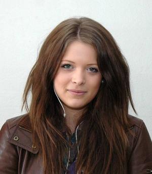 Ida Olsson, 16 år, Ockelbo:– Ja, det är lätt. Det finns alltid någon som vill köpa ut. Det kanske blir lite dyrare men det är lätt att få tag i.