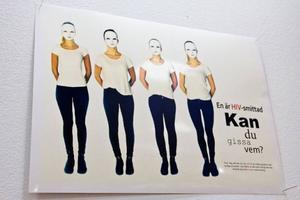 Grund-och gymnasieskolorna i Jämtland har klassvis eller enskilt tävlat om vem som kan göra en bild på temat hiv/aids som ska användas i informationssyfte i sjukvården. Den här bilden vann tävlingen.