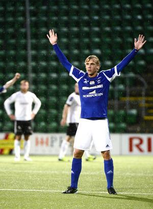 Om det blir ett klubbyte innan transferfönstret stänger för förre GIF-spelaren Pontus Engblom återstår att se. Han har enligt uppgifter intresse från bland annat Sparta Rotterdam.