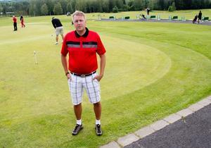 Ordförande i golfklubben. Mats Bäcklund är missnöjd med kommunfullmäktiges beslut.