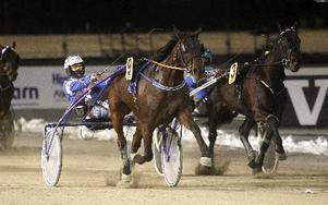 Claes Eskilsson, här med Free To Dance, visade att han har bra form på sina hästar. Foto: Micke Gustafsson/Foto-Mike