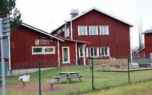 Djura skola är Leksands minsta. Nu tittas på möjligheter till samarbete med Kyrkskolan i Gagnef.         FOTO: EVA HÖGKVIST