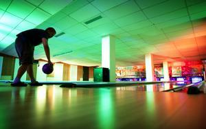 Bowlandet i Ludvika sporthall har fått ett par dimensioner till. På fredag kväll erbjuds en färgsprakande musikupplevelse i bowlinghallen när allmänheten inbjuds att testa diskobowling.