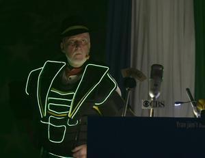 President  Ljusberg på uppdrag för att rädda världen.