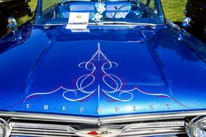 Krom och gnistrande lack. Ett signum för en klassisk amerikansk bil.