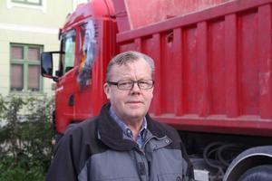 Ett avbräck för Lars-Göran Sigvardsson. Men företaget vilar på fler ben. Exempelvis körningar åt Råsjö Kross och en bil permanentad på stort vägbygge i Stöde