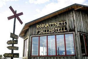 Rörvattnets Fjällhotell har fått svenska ägare, Stig och Karin Wallén från Valne. De har båda har den utbildning och yrkeserfarenhet som krävs för att få överta utskänkningstillståndet.