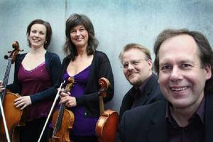 …tillsammans med stråkkvartetten Archi Jamt.