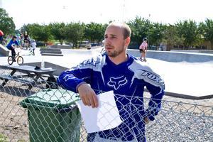 Eldsjälen Kristoffer Lindau vill starta en förening för att på bästa sätt förvalta skateboardparken.