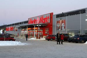 Kedjan Media Markt har varslat butikspersonalen. Man vill förändra en del arbetsscheman för att få mer personal på kvällar och helger.
