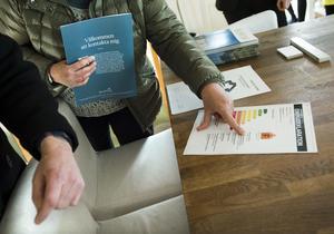 Det är Fastighetsbyrån i Borlänge och Säter som erbjuder möjligheten till budgivning via Mobilt BankID. OBS: Bilden är tagen på en bostadsvisning och har inget direkt samband med artikeln.