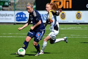 Emma Svärd kom många gånger runt på sin högerkant.