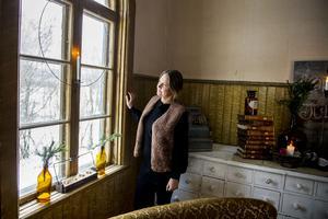 Sandra Nilsson har hittat hem och hon har stora planer för sitt missionshus i Kovland. Till våren flyttar hon och sonen Vincent till gården.  De kommer att bo på övervåningen och den stora salen kommer bland annat att hyras ut till dop, begravningar, bröllop och privata evenemang.