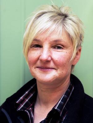 Elsie Van Cotthem kommer ursprungligen från Belgien. Det var till största delen naturen som fick henne och hennes make Gino Maes att emigrera och flytta till Åkersjön för nästan på dagen nio år sedan.