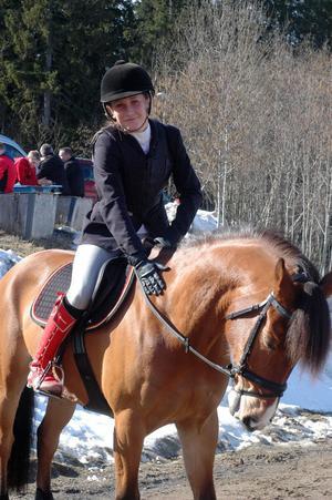 Irma Karlsson är en viktig kugge i Bollnäs ponnylag.