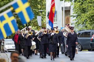 Marsch. Lördagen firades med musik av orkestern Vasaband och marsch längs Hantverkaregatan i Norrtälje. Promenaden avslutades på Lilla torget där ett möte hölls. Därefter var de mingel i kårhuset.