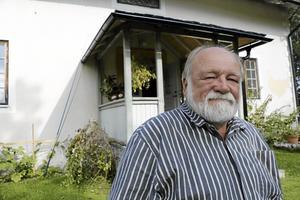 Gått bort. Den socialdemokratiske politikern Pentti Supponen har hastigt avlidit i en ålder av 70 år.