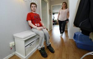 När Kim Molinder kom till Realgymnasiet på måndagsmorgonen fanns inte hans rullstol där han lämnat den. Den har troligen stulits när skolan hade öppet hus på lördagen.