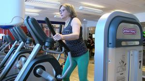 Agneta Brolund brottas med högt blodtryck och höga sockervärden. Nu tränar hon för att slippa mediciner.