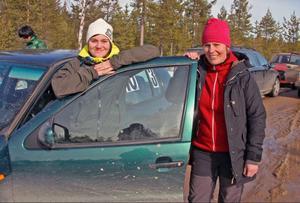 Jessica Persson och Susanne Brunnsberg var laddade för att tampas med den leriga banan i Byvallen.