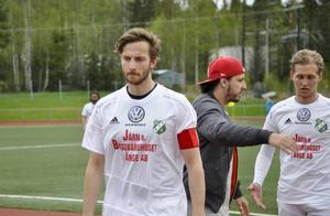 Sebbe Sandberg, hårt prövad spelande tränare hos Ånge.