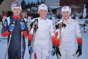 Enya Daabach, Åsarna, Maja Pålsson och Ines Stjerna, Utrikes SK, var några av deltagarna som ställde upp i D11 i Järpenjakten med prolog i klassisk stil och jaktstart i fri teknik.