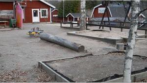 Gamla Bergets förskola har stått tom sedan januari. Då flyttade barn och personal till nya förskolan Slättaskogen.